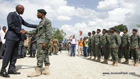 PHOTO: President Jovenel Moise et les Force Armees d'Haiti