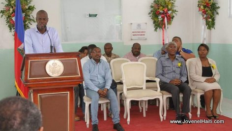 PHOTO: President Jovenel Moise pran la pawol nan inogirasyon nouvo sant dialyse nan lopital OFATMA Okay