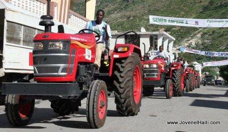Haiti Agriculture: President Jovenel Moise Simaye Tracteur Agricole nan Latibonit