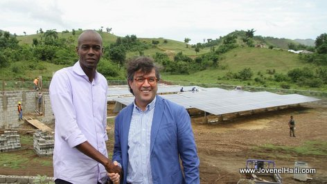 PHOTO: President Jovenel Moise and IDB president Luis Alberto Moreno visiting a new solar power plant in Southern Haiti