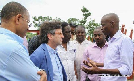 PHOTO: President Jovenel Moise and members of the Inter-American Development Bank (BID) in Southern Haiti