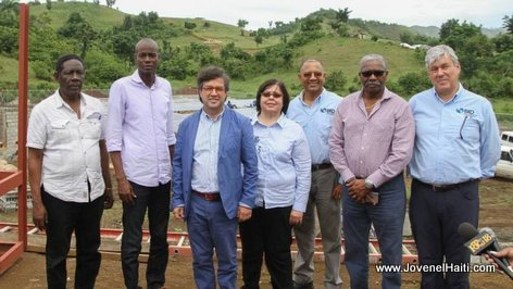 PHOTO: President Jovenel Moise and members of the Inter-American Development Bank (IDB) in Southern Haiti