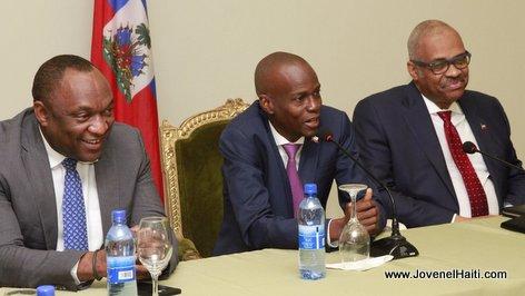 PHOTO: Haiti - Youri Latortue, President Jovenel, PM Lafontant, rencontre entre les 3 pouvoirs de l'Etat autour du  retablissement des Forces armees
