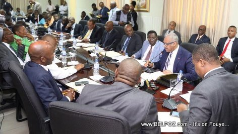 PHOTO: Haiti - Premie Ministre Jack Guy Lafontant repond au probleme de la telecommunication dans le pays