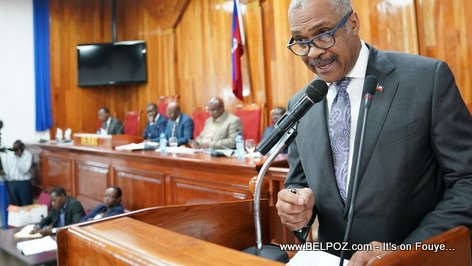 PHOTO: Haiti - Premier Ministre Jack Guy Lafontant au Parlement