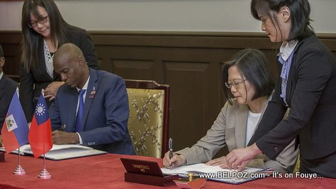 PHOTO: Haiti President Jovenel and Taiwan President signing agreement