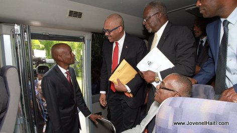 PHOTO: Haiti - President Jovenel Moise wishing his PM Jack Guy Lafontant Good Luck