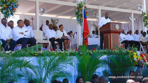 PHOTO: Haiti - President Jovenel Moise speaking Gonaives Bus Victims Funeral