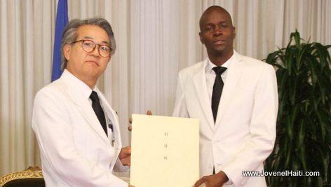 PHOTO: Haiti President Jovenel Moise and Japan Ambassador Hiroyuki Makiuchi