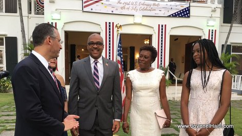 PHOTO: Haiti - PM Lafontant ap celebre fet Independence USA nan Ambassade la